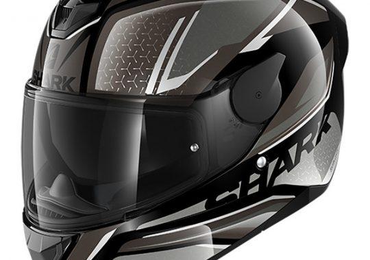 Conduire une moto et pourquoi le bon casque est si important